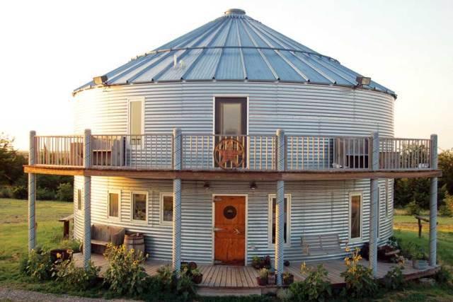 Azul-Ambientalistas-Arquitectura-sustentable-casa-de-lata