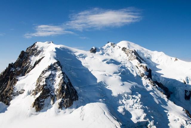 Azul-Ambientalistas-Las-10-Montañas-para-subir-una-en-la-vida