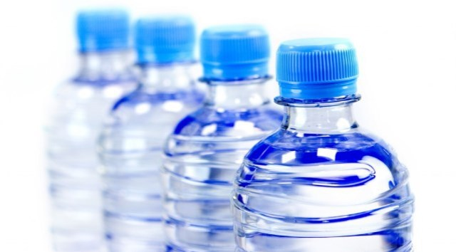 Azul-Ambientalistas-Seis-habitos-para-dejar-en-el-olvido-y-ayudar-al-ambiente-02