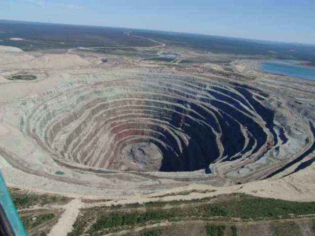 Azul-Ambientalistas-Por-que-se-conoce-tan-poco-sobre-la-mineria-a-cielo-abierto-001