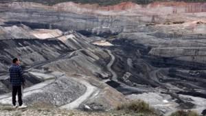 Azul-Ambientalistas-Por-que-se-conoce-tan-poco-sobre-la-mineria-a-cielo-abierto-007