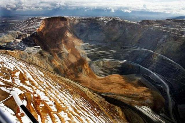 Azul-Ambientalistas-Por-que-se-conoce-tan-poco-sobre-la-mineria-a-cielo-abierto-009