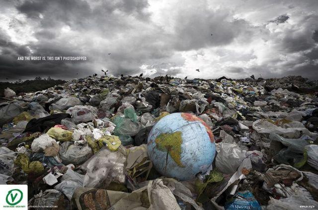 """""""Y lo peor es, que esto no es un montaje de Photoshop""""... """"Reciclar es defender el planeta"""" (Imagen www.pv.org.br)"""